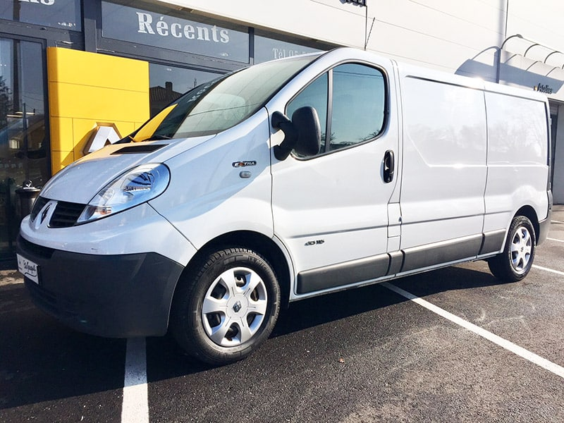 Renault trafic ii grand confort pack extra l2h1 for Garage renault mourmelon le grand